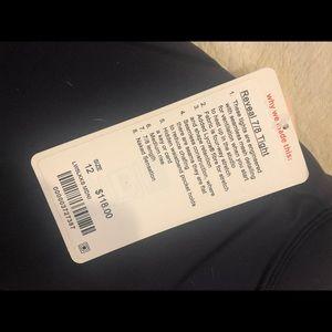 lululemon athletica Pants - NWT lululemon reveal 7/8 tight midnight navy